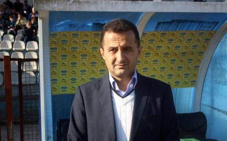 محمودزاده: قرارداد هیچ بازیکنی در سازمان لیگ ثبت نشده است/ پرسپولیس مجاز به عقد قرارداد است
