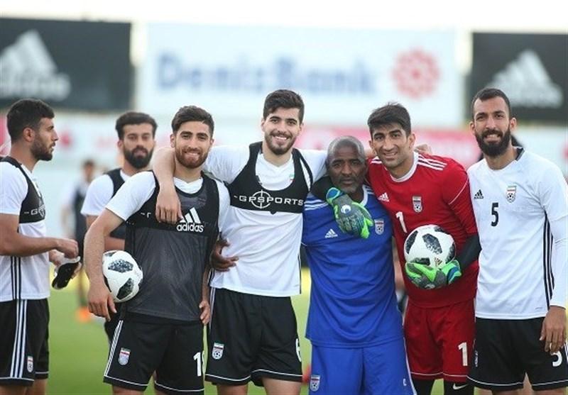 کروز: برای انتخاب ۱۱ بازیکن سردرد خواهیم داشت/ مقابل عمان با آمادگی بالا بازی خواهیم کرد