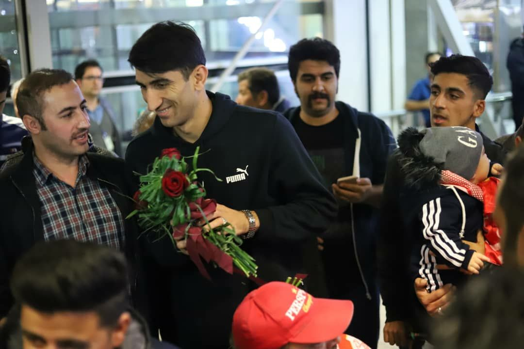 بیرانوند با استقبال هواداران به تهران رسید /تصاویر