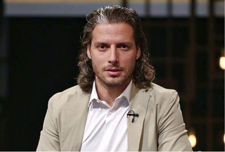 آرفی: در مدرسه فوتبال پرسپولیس فعالیت دارم / از استقلال پیشنهاد داشتم اما از رفتار آنها خوشم نیامد