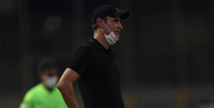 گل محمدی: برای قهرمانی مان دست بازیکنان را می بوسم/ بازی مقابل نفت سخت بود