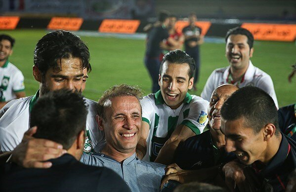 دو بار شکست استقلال مقابل یحیی گل محمدی در ضربات پنالتی