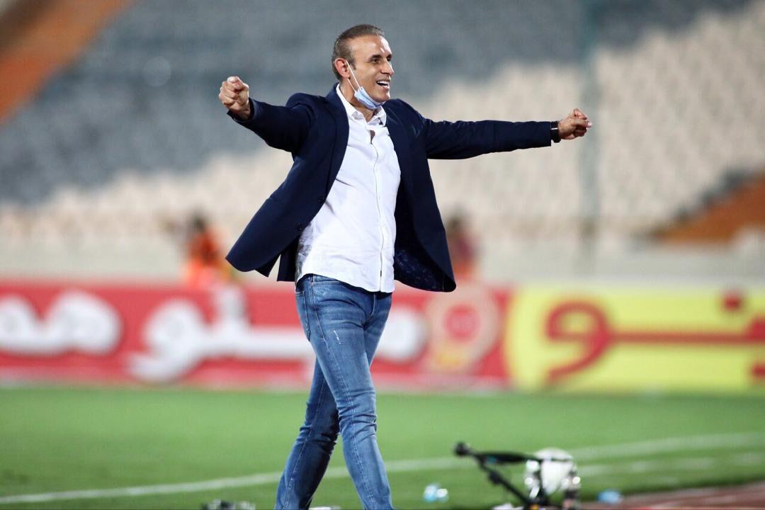 گلمحمدی: گلایه هست اما دیگر به جدایی دو ستاره فکر نمیکنم / دست در دست هم برای سه جام بعدی میجنگیم