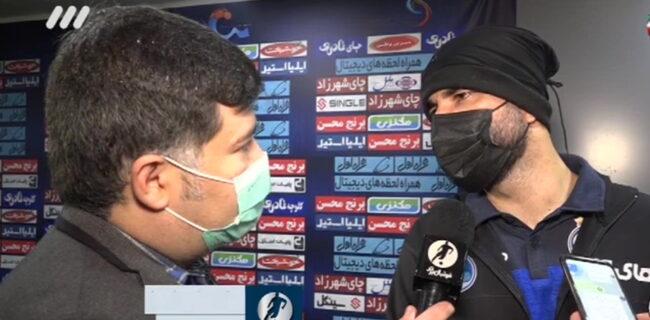ویدئو: مشکل مرغ در باشگاه استقلال!