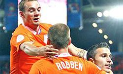 اسنایدر بهترین بازیکن دیدار هلند و دانمارک