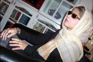 مریم حیدرزاده: هرکس علیه پرسپولیس حرف بزند بلاکش میکنم/کمکی که وزیر به استقلال میکند بیشتر از پرسپولیس است