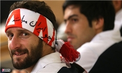 عکس روز/ جلوگیری از ورود بازیکن تیم ملی به ورزشگاه آزادی!