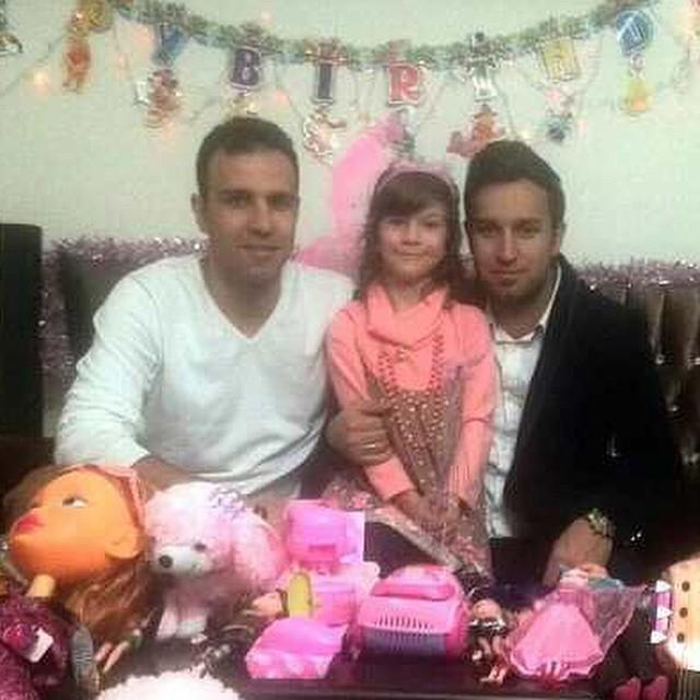 محسن خلیلی در جشن تولد خواهرزاده اش